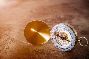 Retro compass