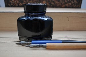 inkwell and old pens