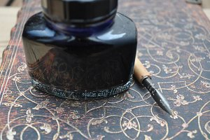 inkwell and old pen