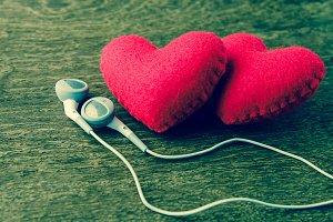 couple heart listen to music