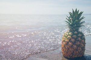 Pineapple and Beach Vibes 4