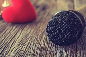 Microphone with guitar,vintage style