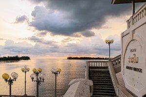 Sea at sunset from Sarasin Bridge