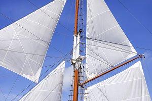 Mast and sails of sailing boat