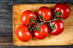 Fresh tomatoes on vine