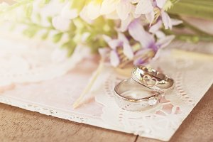 Wedding rings with card