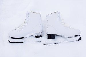 skates in snow