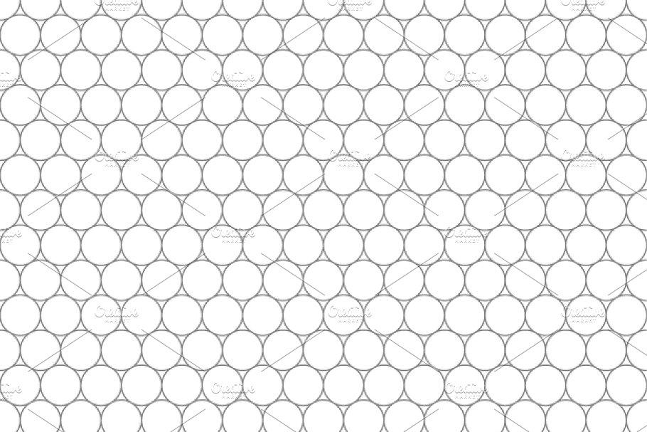 Five millimeters circles gray grid