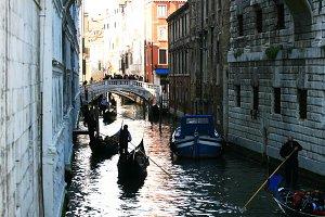 Gondola tour in Venice (Vertical)