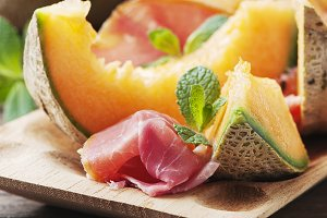 Melon with ham, square image