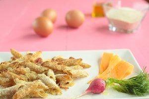 Macaroni coated with egg