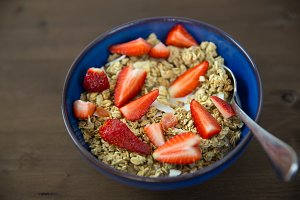 Strawberry fruit breakfast cereal