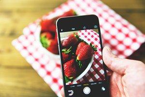 iPhone taking food photo
