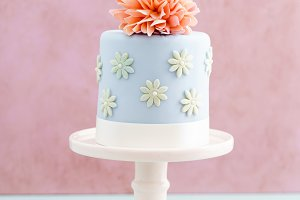 Cake with sugar flower