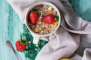 Muesli, berries and yogurt