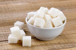 Sugar cubes in bowl