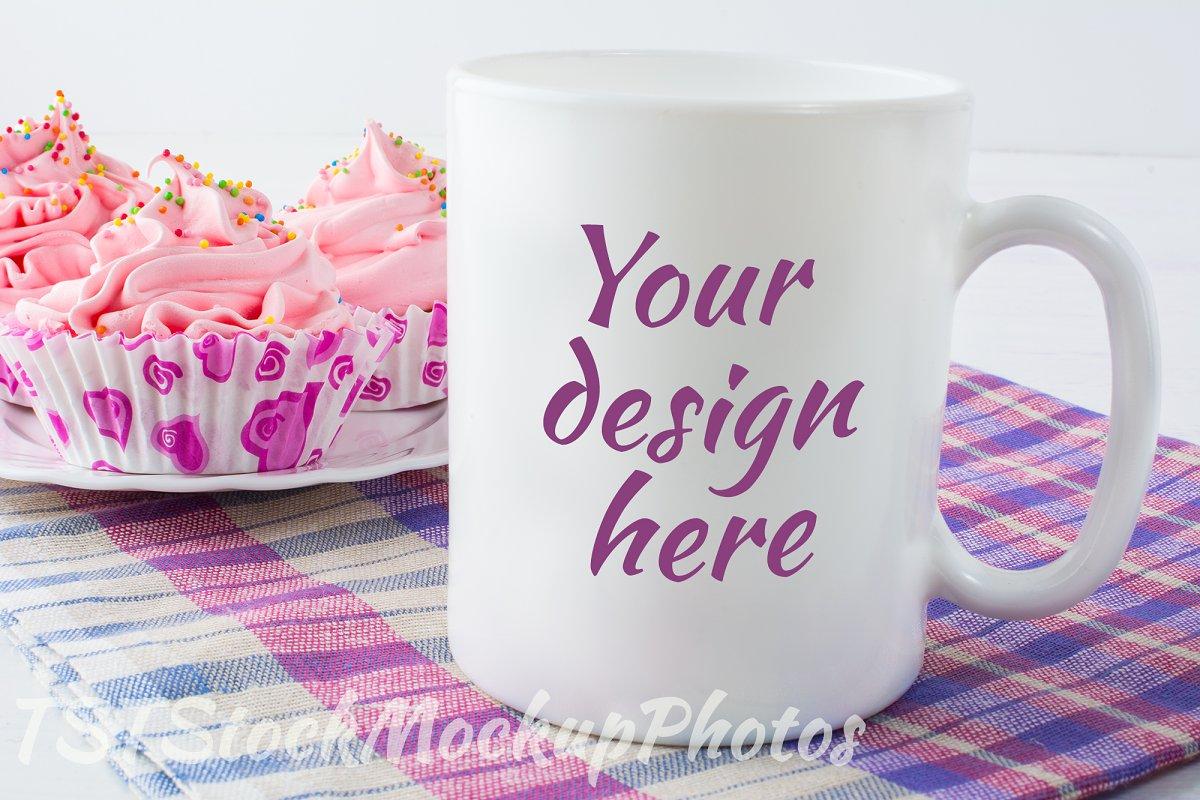 Mug mockup with checkered napkin
