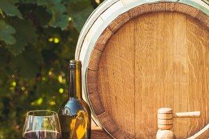 The wooden barrel