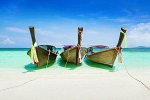 Longtale boat