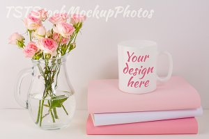Mug mockup with pink roses