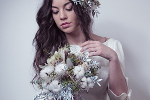 Bride with winter inspired flowers