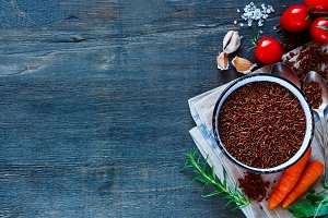Red rice and vegetables