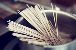 Buckwheat noodles being cooked