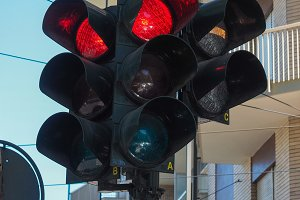 Red light traffic signal