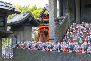 Fox statues at shrine
