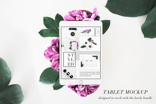 PSD Tablet Mockup Floral Stock Phot…