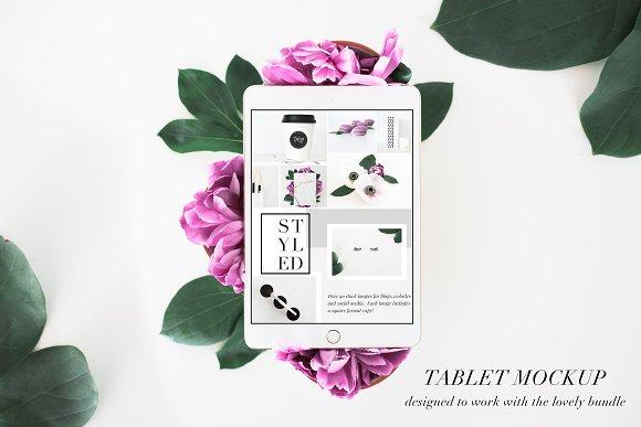 Download PSD Tablet Mockup Floral Stock Photo