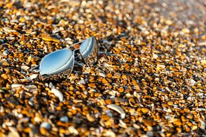 sunglasses, beach, reflection, summer, exposure, sand, pebbles,