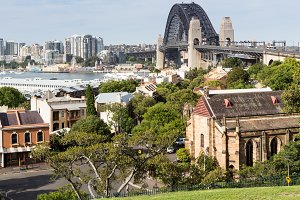 Sydney bridge from Observatory park