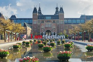 Rijksmuseum and Statue I  am Amsterdam