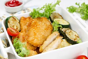 Chicken nuggets with vegetables