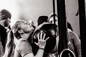 Crossfit Wallball - Woman