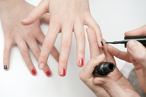 Painting fingernail