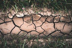 Dry crack ground