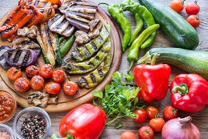 Grilled and fresh vegetables