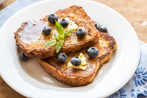 French toasts with fresh blueberries