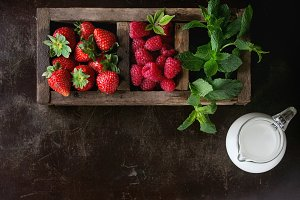 Fresh berries and mint