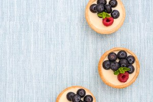 Delicious tartlets with raspberries
