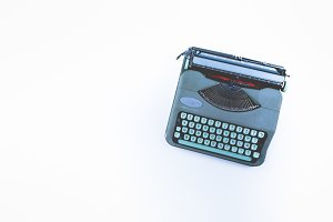 Hero Image Typewriter vintage white