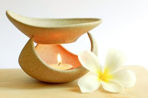 Aromatherapy lamp, flower and cadle