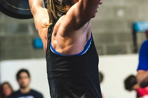 Crossfit Lifting - Woman