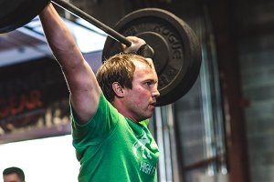 Crossfit Lifting - Man