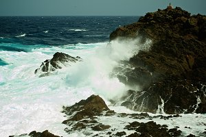 Dramatic Sea Waves