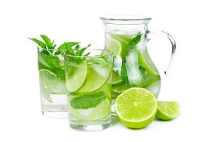 Juice with lime and mint