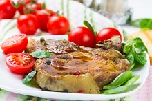 Grilled meat with tomato