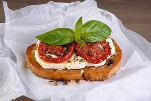 Bruschetta with feta and tomatoes